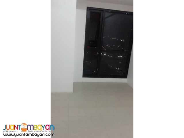 BSA Twin Towers Condo 1 br  semi- Furnished  across Megamall