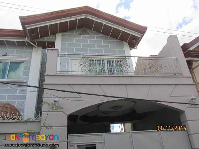 House Single Detached 2-storey Furnished for rent in Banawa