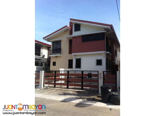 4 Bedroom Duplex in Las Pinas