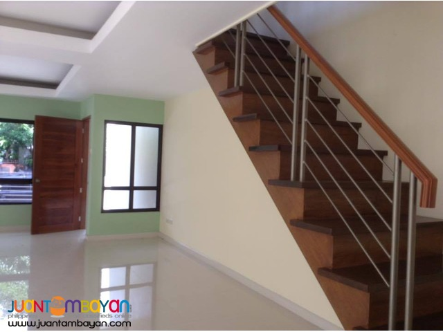 Triplex House and Lot in BF Homes