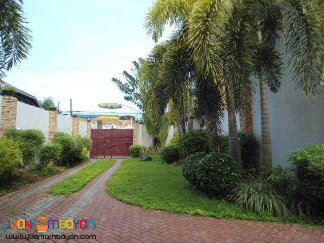 For Rent Furnished House in Labangon Cebu City - 4 Bedrooms