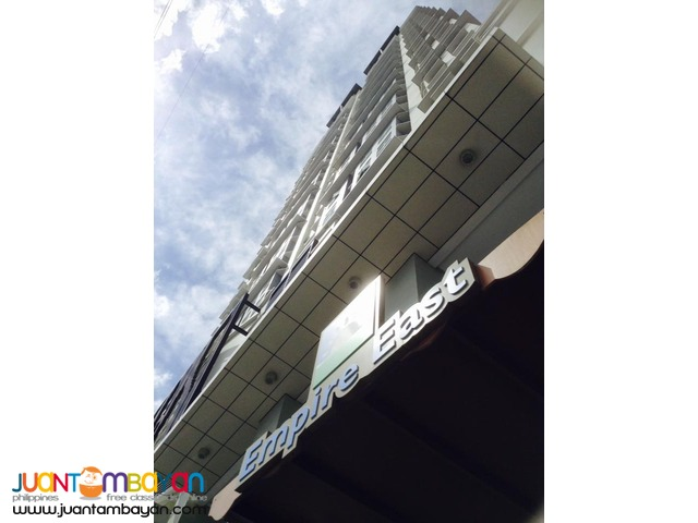 San Lorenzo Place Physicall connected to Magallanes Mrt station