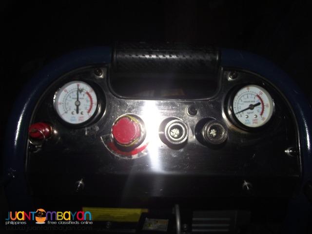 Compresor up right 2hp 220v 180psi 40 liter tank brandnew