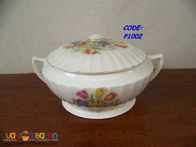 P1002 Soup Bowl with Cover, bought in USA. Brand New.