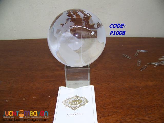 P1008 Center Piece Crystal Globe