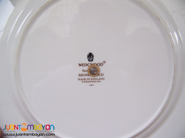 P1016 Two Tier Service Plate. Wedgwood, Made in England.
