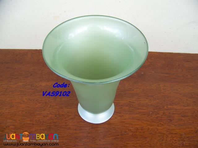 P1020 Green Vase