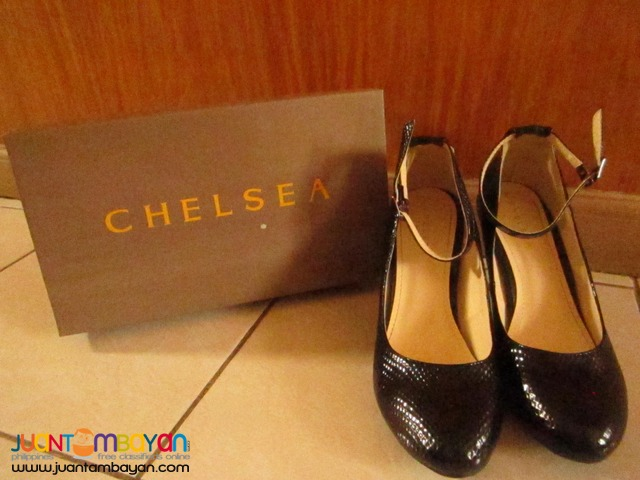 Chelsea Black Round Toe High-heel Shoes w/ Straps