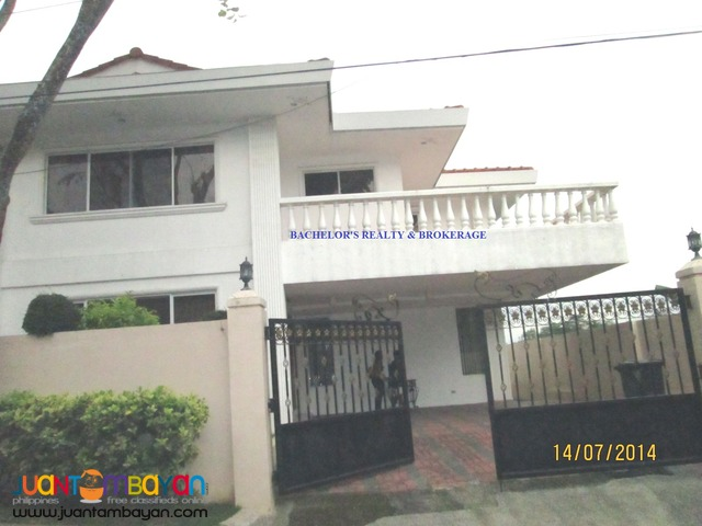 House Single Detached for rent atP120k monthly in Banilad Cebu