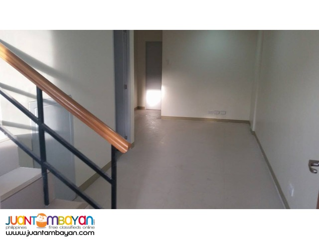 For Rent Unfurnished Townhouse in Guadalupe Cebu City - 3 Bedrooms