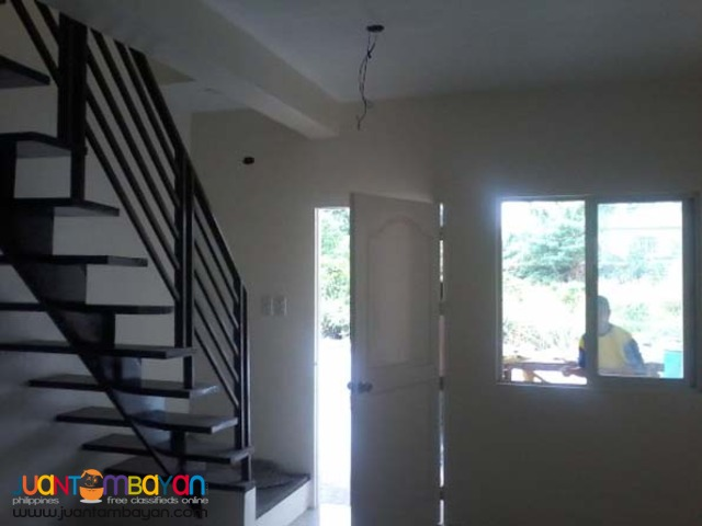 PH01 Townhouse near Mindanao Avenue QC