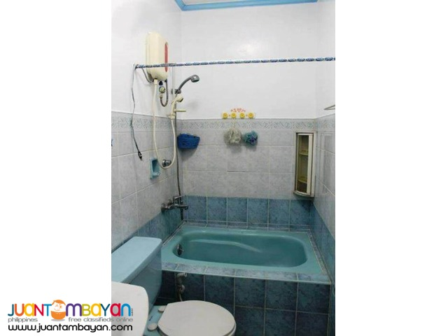 PH279 Townhouse in Tandang Sora Area