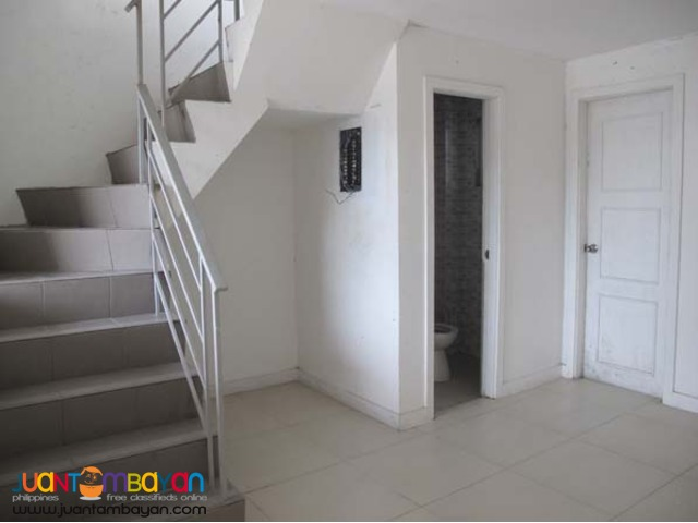 PH08 Townhouse in Tandang Sora
