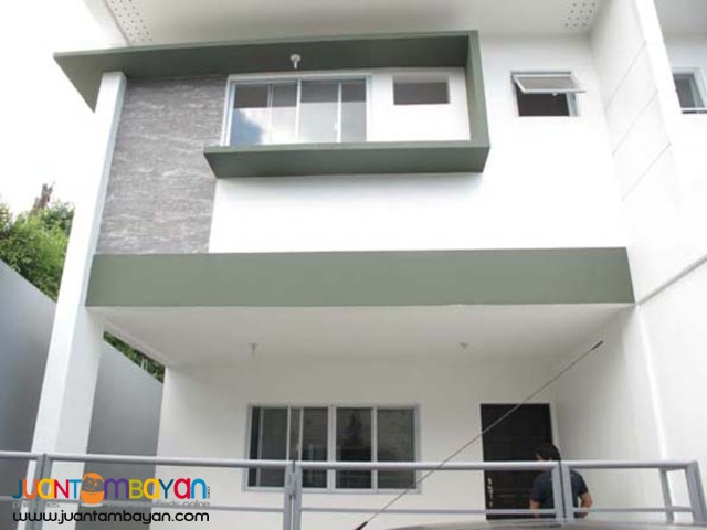 PH14 Townhouse in Tandang Sora
