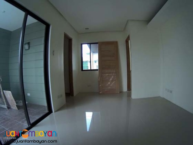 PH296 Tandang Sora Quezon City Townhouse for Sale
