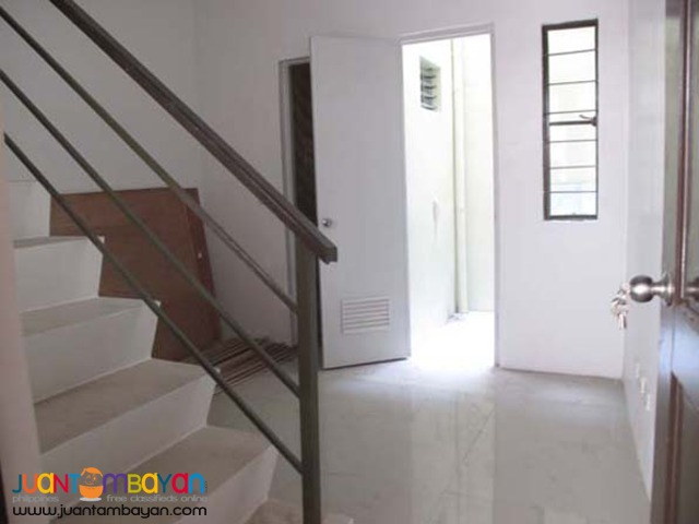 PH35 Project 8 Quezon City Townhouse