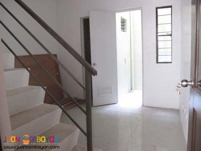 PH238 Townhouse in Teachers Village Quezon City For Sale