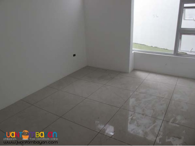 PH67 House and Lot for Sale in Quezon City
