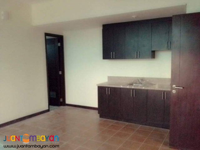 RFO condo, 2 bedrooms, call or text now! San Lorenzo Place in Makati