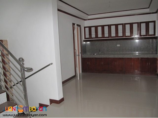 PH101 Affordable Townhouse in East Fairview