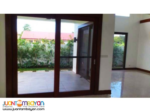 PH318 House and Lot in Fairview Quezon City for Sale