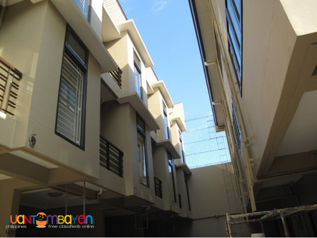 PH154 Affordable Manila Townhouse
