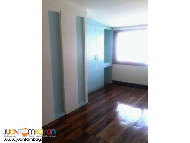 PH321 Townhouse in Project 6 Area Quezon City