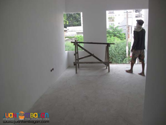PH10 Townhouse in Tandang Sora Quezon City