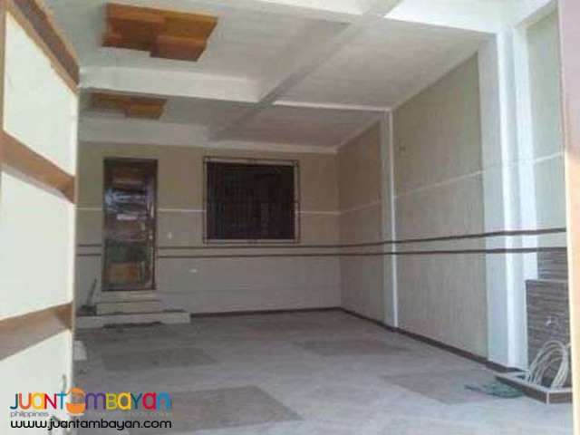PH309  Townhouse in Tandang Sora QC