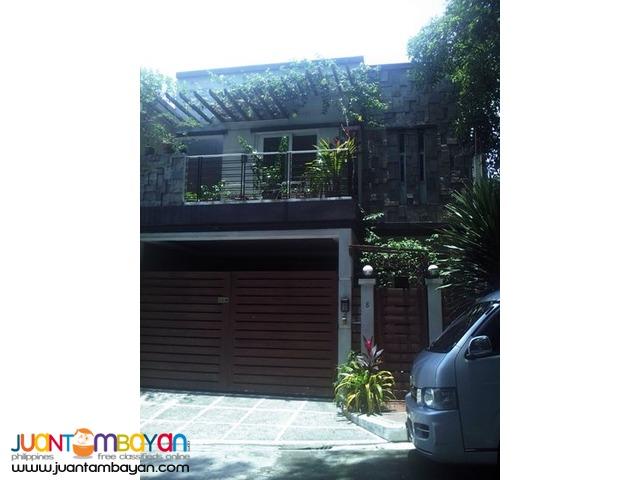 PH275  House and Lot in Tandang Sora QC