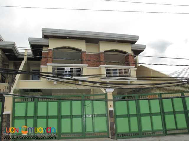PH33  Large House in Kingsville Quezon City