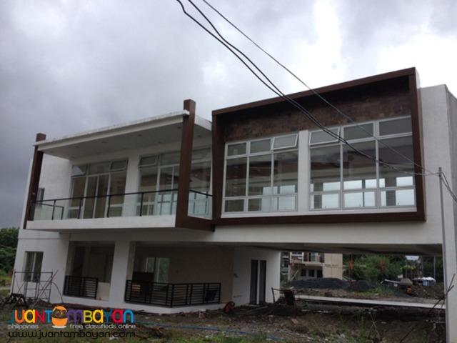 PH201 A Bonifacio Townhouse