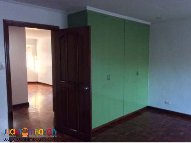 PH324 Townhouse in Project 8, Quezon City Area