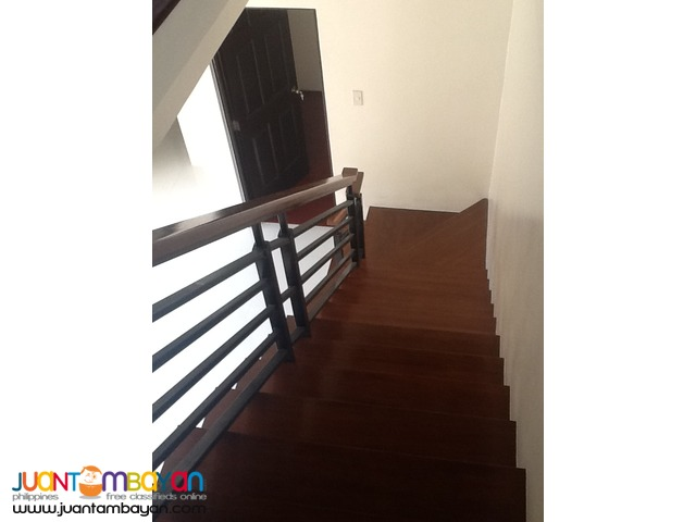PH243 Congressional House and Lot in Quezon City