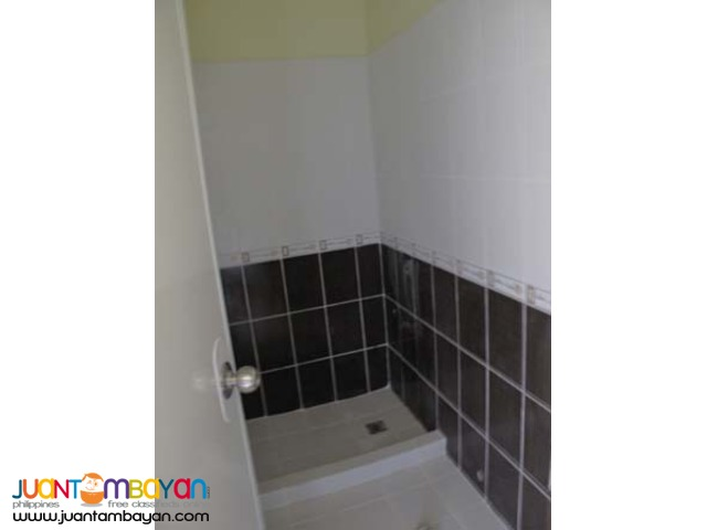 PH348 Townhouse in North Fairview For Sale