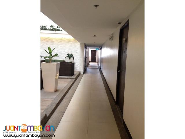 Pine Crest Condominium Beside Robinson's Magnolia Quezon City