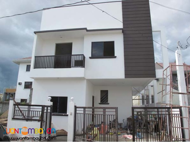 PH239 Sophisticated Townhouse in Greenwoods Pasig City