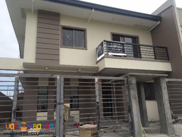 PH182 Townhouse in Greenwoods Pasig For Sale