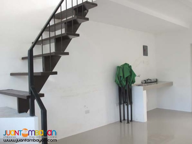 PH202 Classy Townhouse in Caloocan City For Sale
