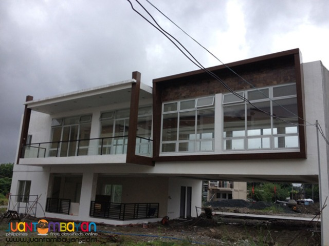 PH201 A Bonifacio Townhouse for Sale