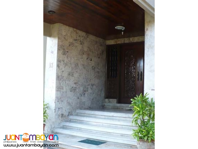 PH224  House and Lot in Paranaque City