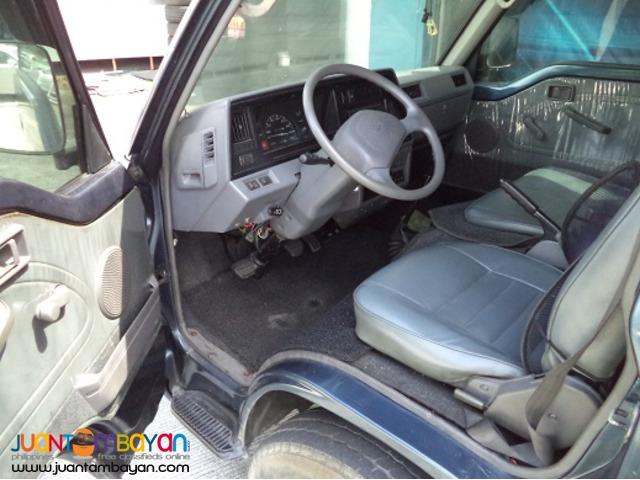 2005 Nissan Urvan Escapade