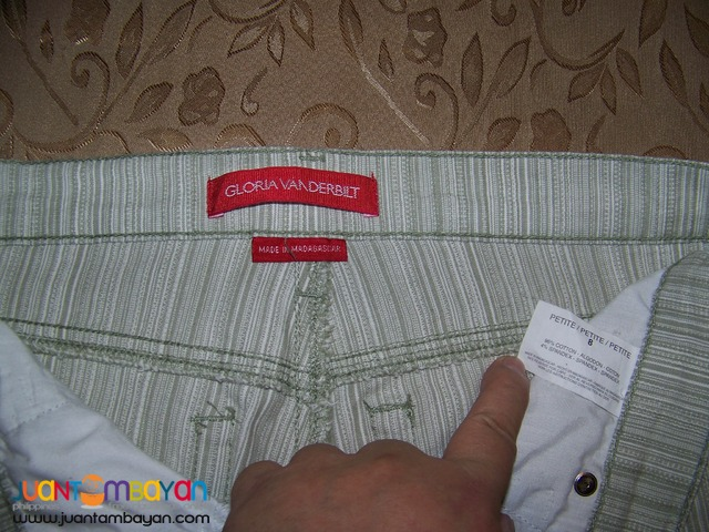 Pre-Loved CAP8113 GLORIA VANDERBUILT, Ladies Pants. Bought in USA.