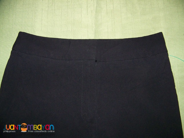 Pre-Loved CAP8109 DRESS BARN Ladies Pants. Bought in USA.