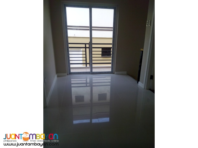 ILUMINA ESTATE TWO STOREY  HOUSE&LOT IN COMMUNAL