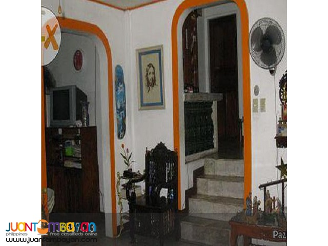 Comembo,Makati 5 BR House with 250 sqm