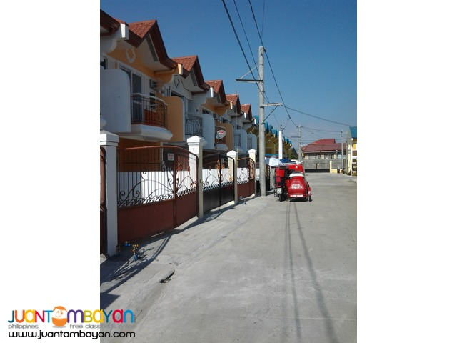 townhouse in moonwalk las pinas