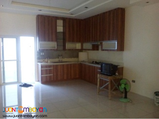 Brandnew Townhouses in Roxas and Scout area Quezon City