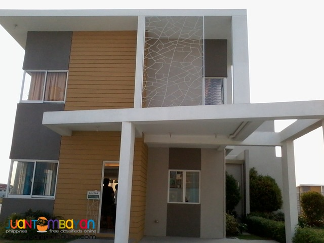 house and lot soluna along molino boulevard bacoor