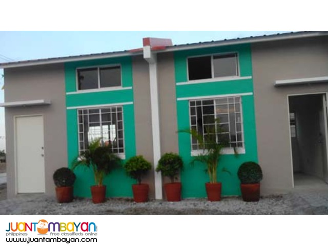 Rowhouse with loft in Wellington Tanza Cavite